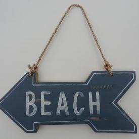 To the beach : UK Beach Guide