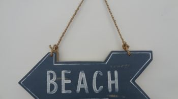 To the beach : UK Beach Guide