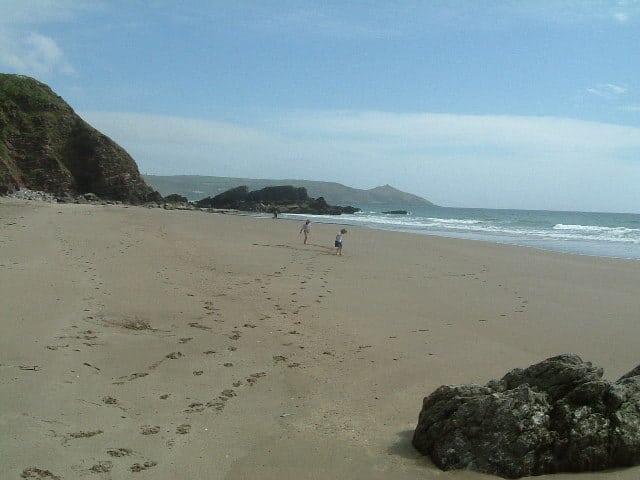 Tregonhawke-beach
