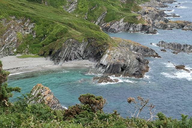 Lansallos-Cove-beach