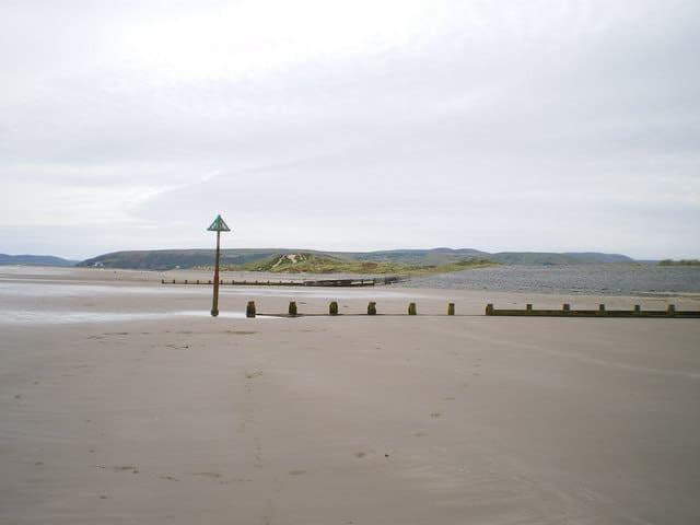 Ynyslas-beach