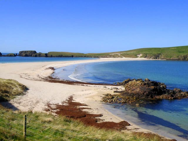 St-Ninians-Isle-beach