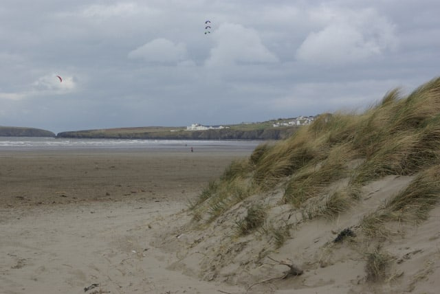 Poppit-Sands-beach
