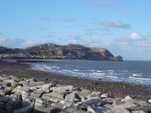 Penrhyn-Bay-beach