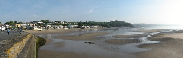 Saundersfoot-beach
