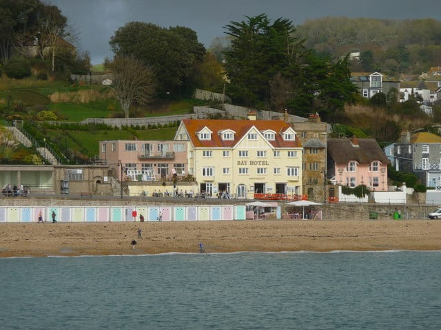 Lyme-Regis-Town-beach