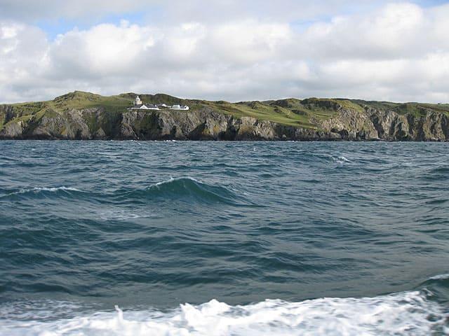 Bull-Point-lighthouse