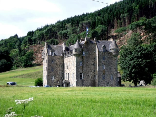 Castle-Menzies