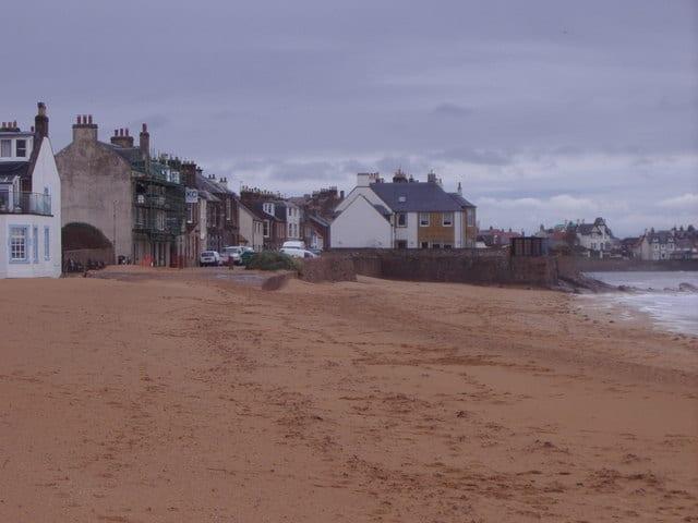 Earlsferry-beach