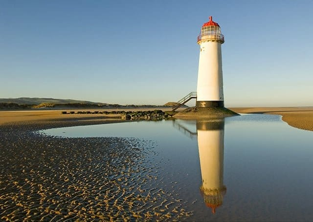 Point-of-Ayr-Lighthouse