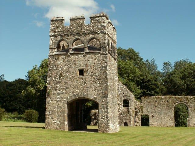 Lamphey-Bishops-Palace