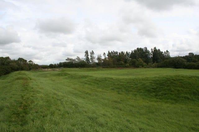 Caer Lêb, LLanfair Pwllgwyngwll, Isle of Anglesey, Walkes