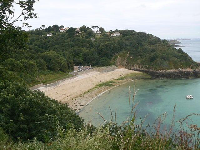 Fermain-Bay-beach