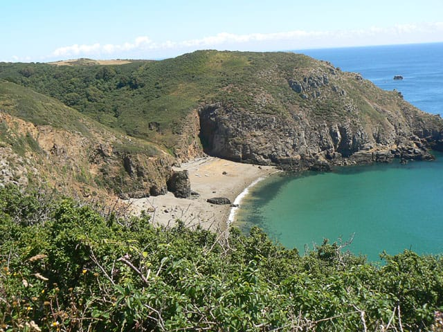 Dixcart-Bay-beach