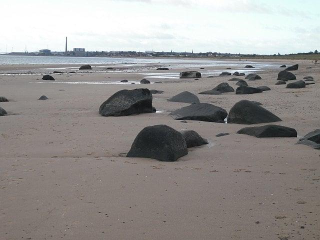 Lundin-Links-beach