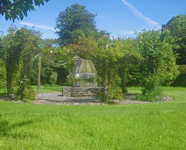 Colonsay-House-Gardens