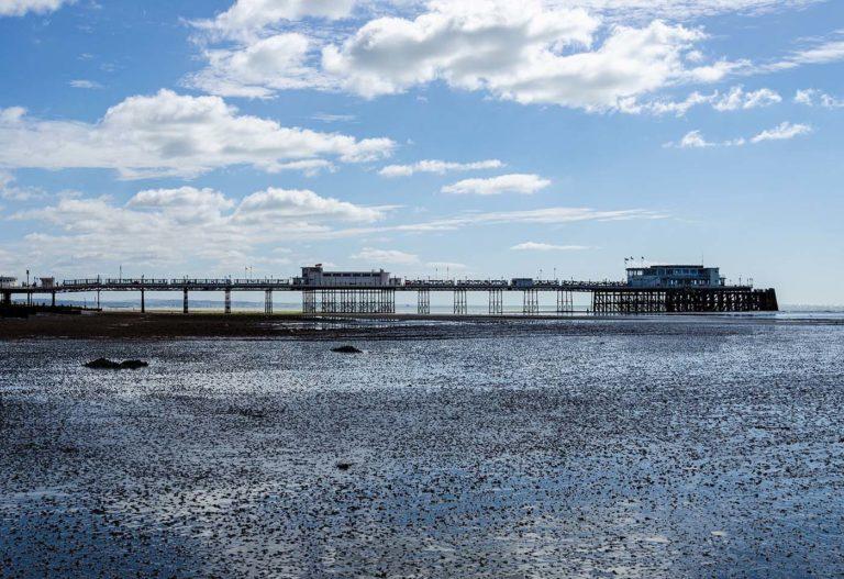 worthing pier and beach 1 768x527